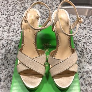 New in box - Lilly Pulitzer abbey wedge sz 9.5